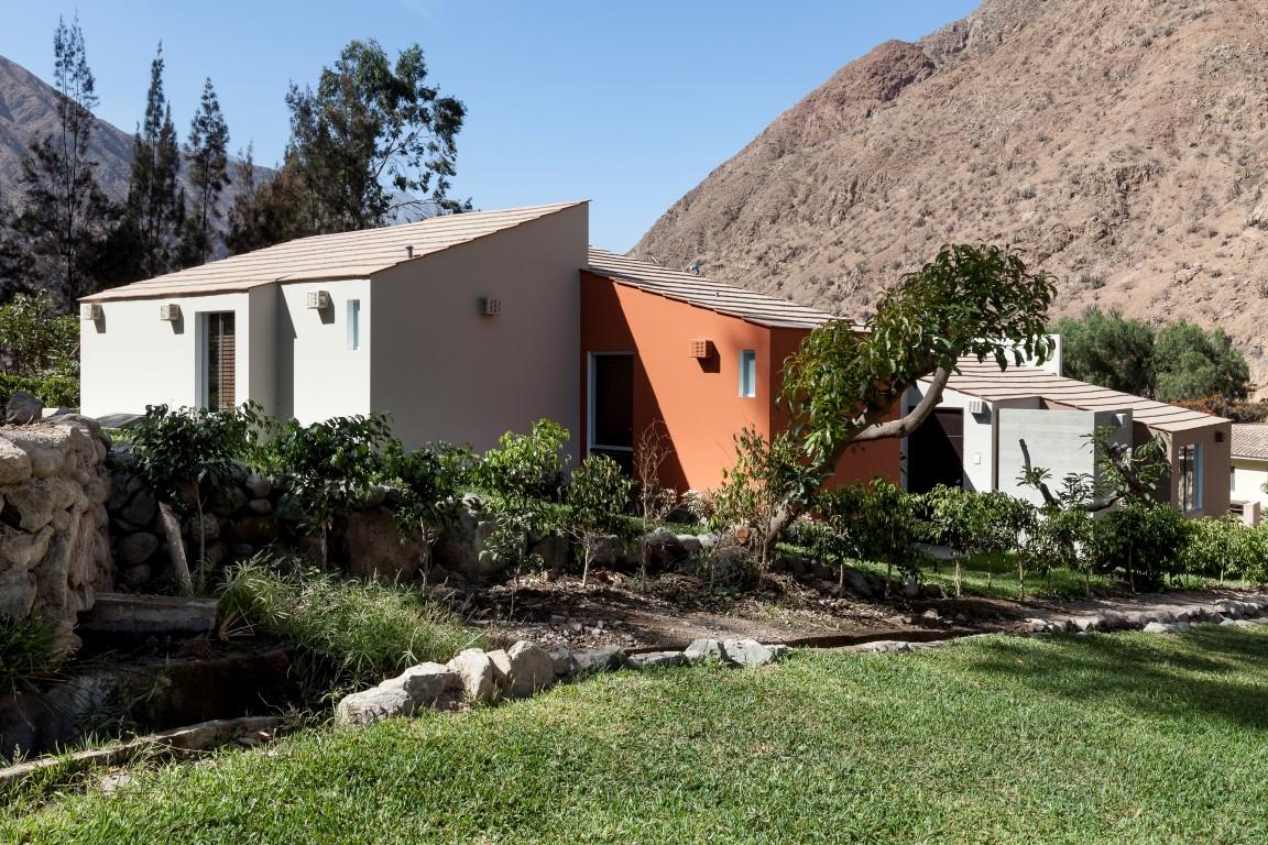 Dise o y construcci n casa de campo huanchuy for Construccion casas de campo